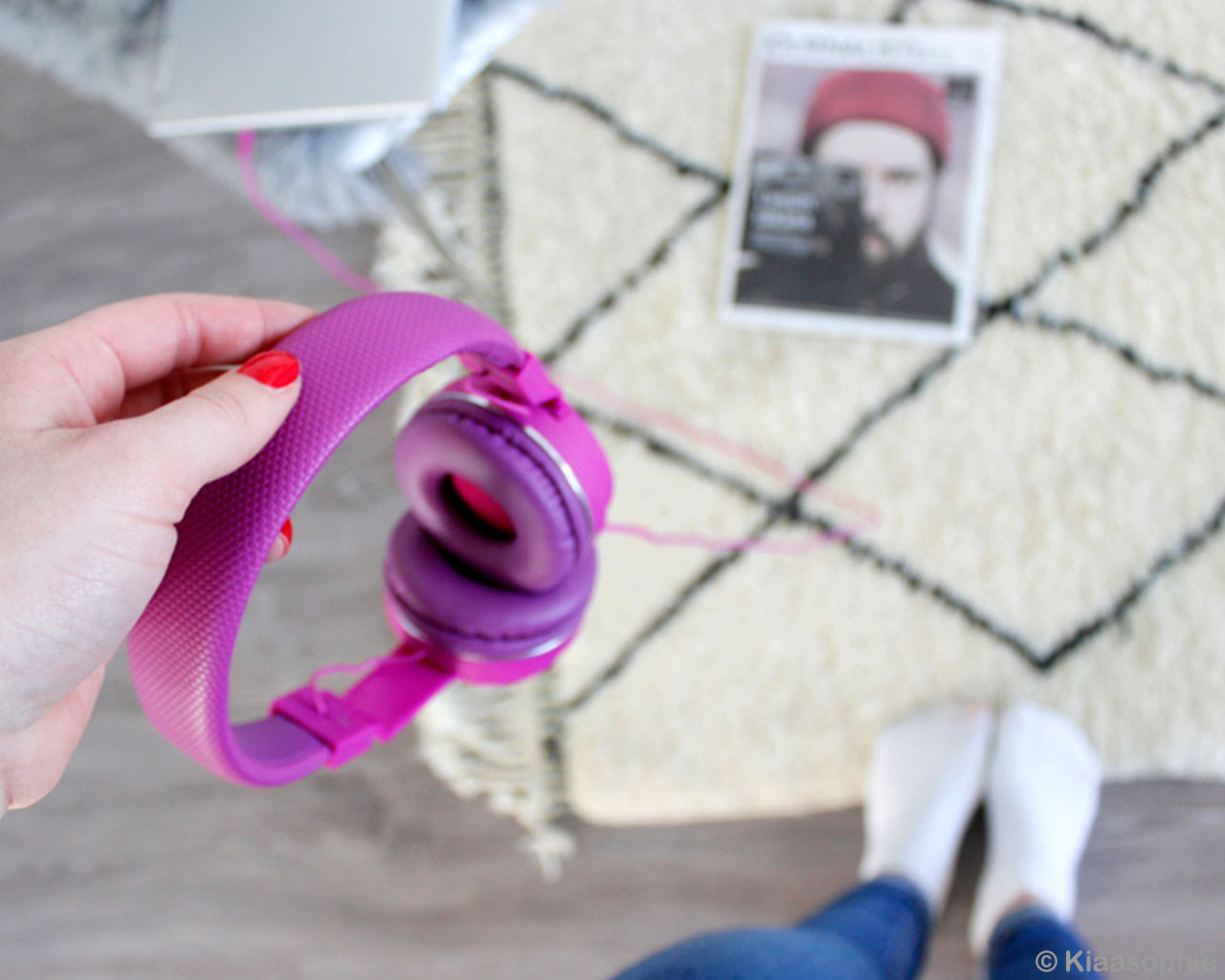 magenta headphones and picture danish design capel rugs