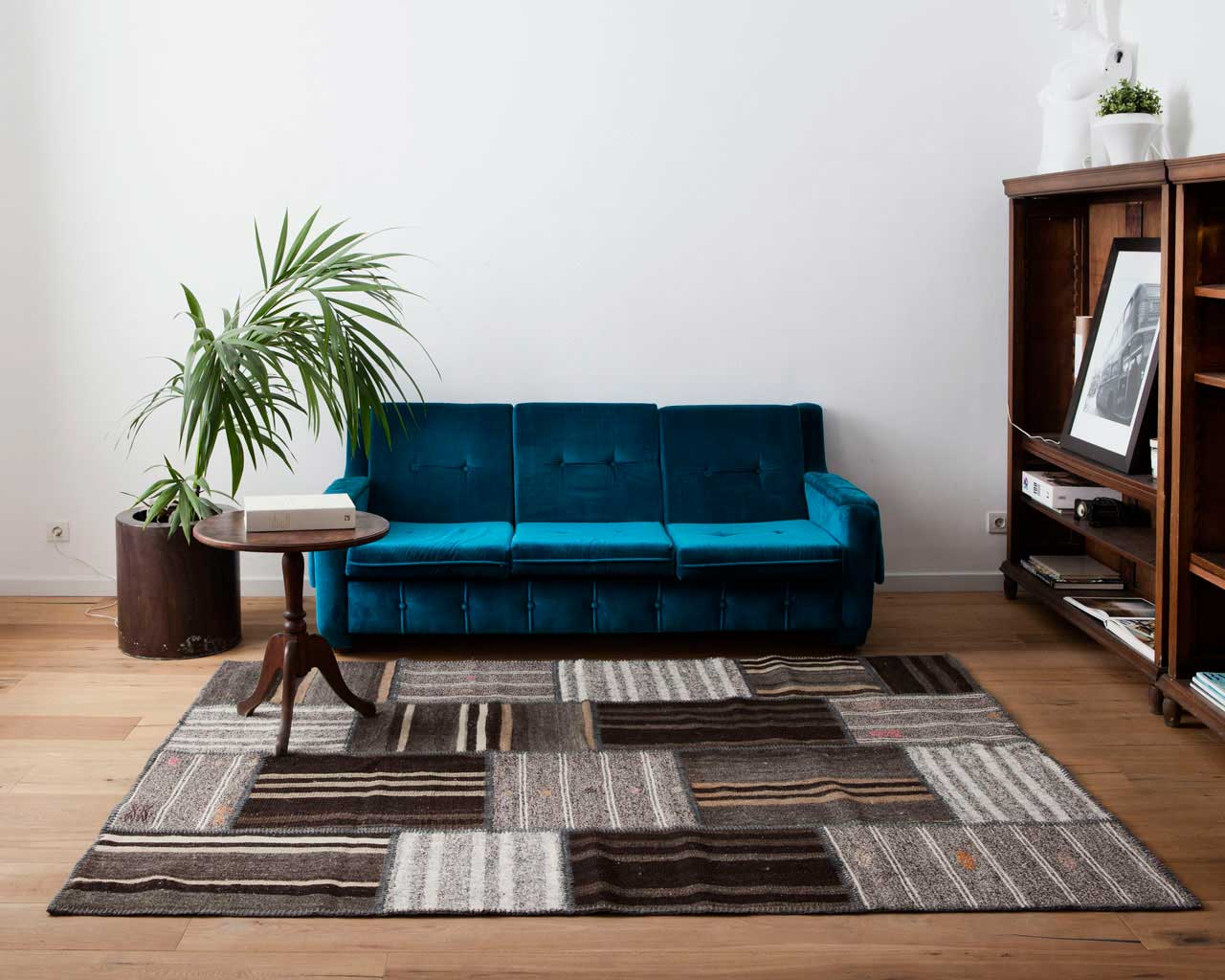 blue sofa plant kilim design